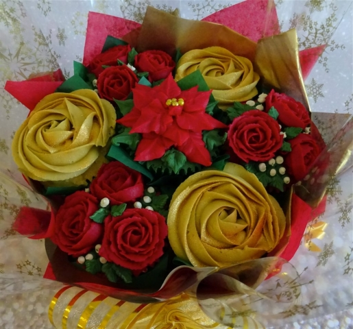 """""""Small Deluxe Christmas Bouquet"""""""