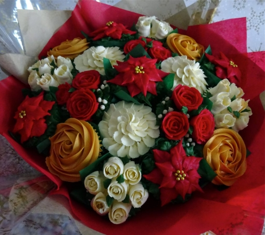 """""""Large Deluxe Christmas Bouquet"""""""