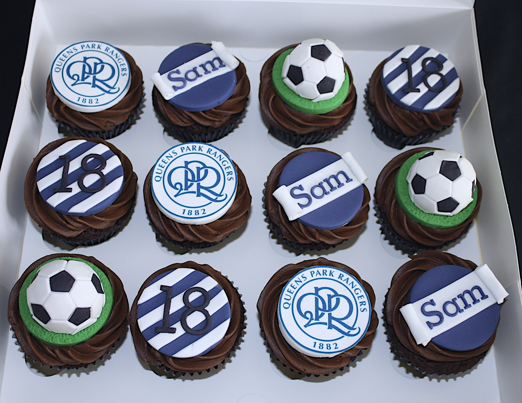 """QPR Football Cupcakes"""