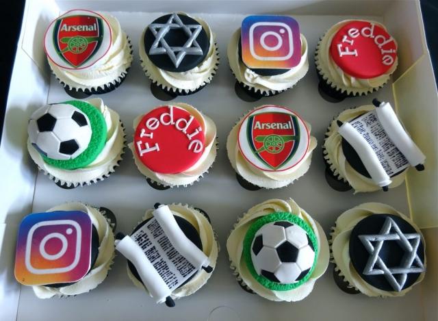 """Football, Instagram & Barmitzvah Cupcakes"""