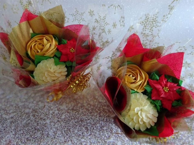 """Christmas Mini Bouquet/ Posy"""