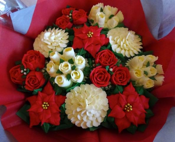 """Medium Deluxe Christmas Bouquet"""