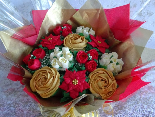 """Deluxe Christmas Bouquet"""